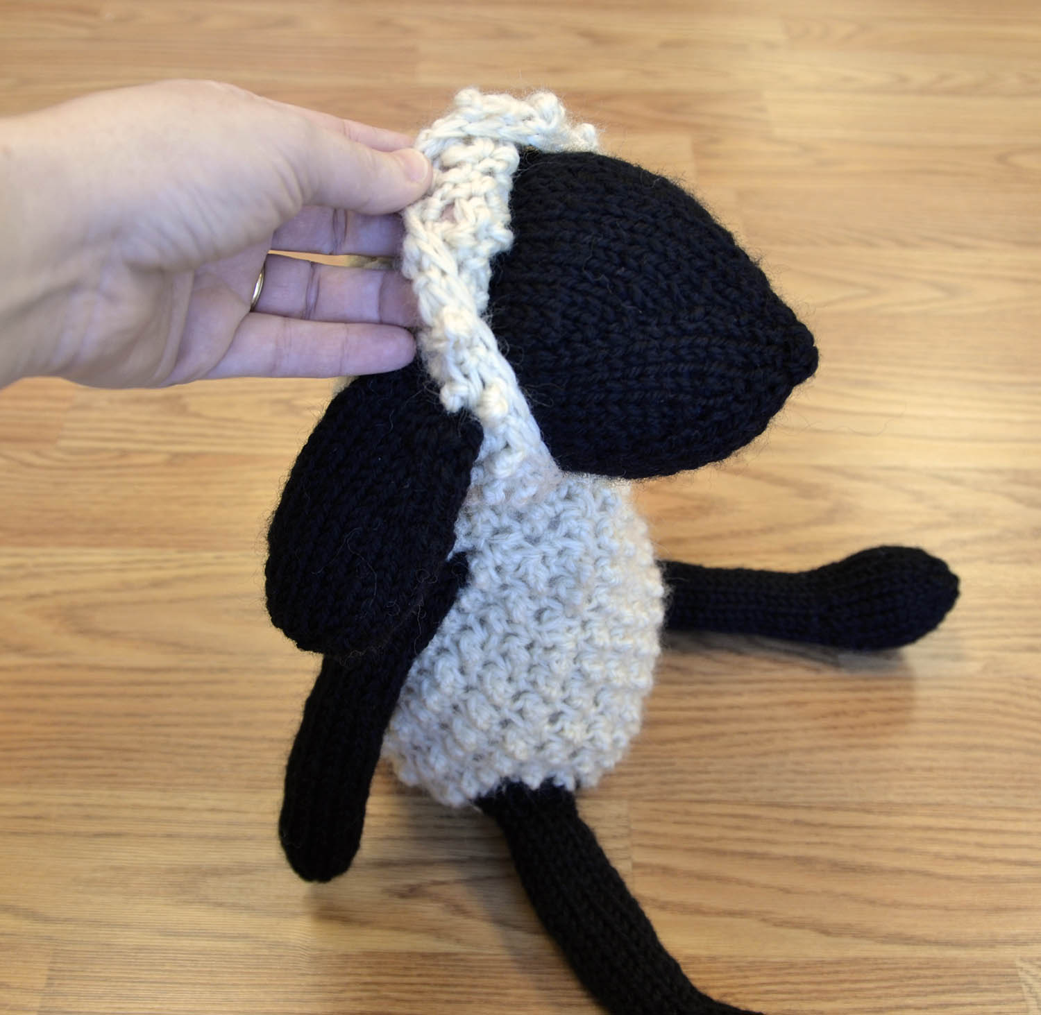 Free pattern friday sheldon sheep friends universal yarn sheep capblog bankloansurffo Gallery
