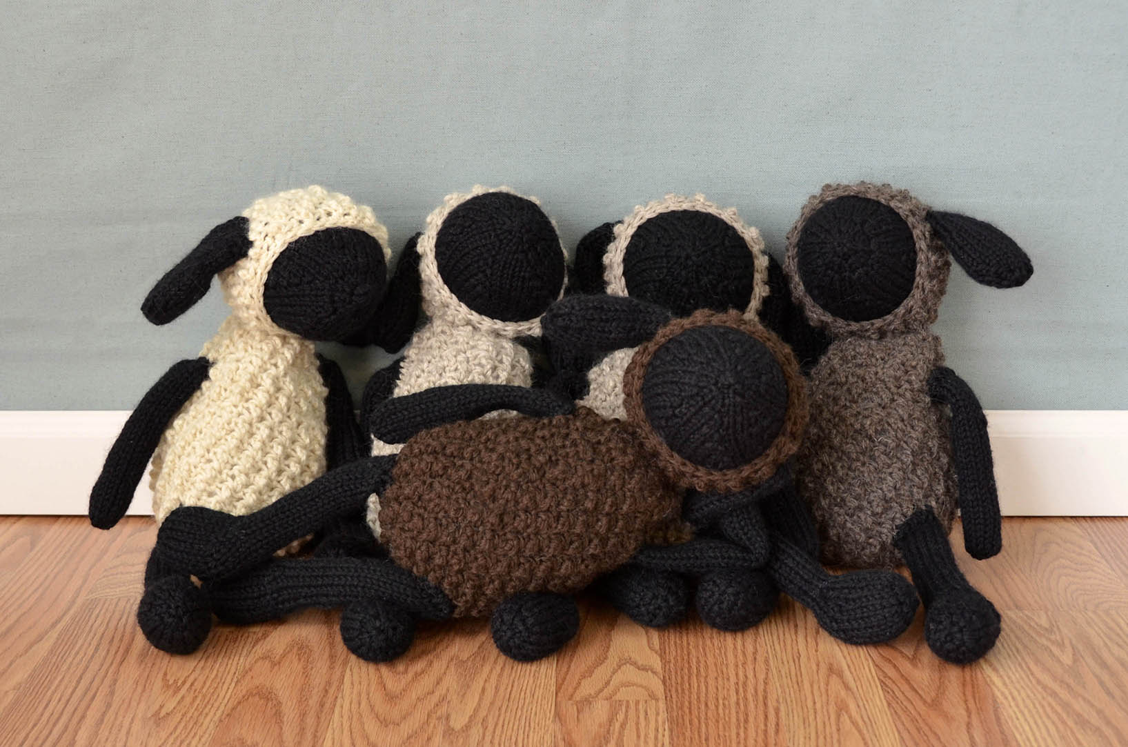 Free pattern friday sheldon sheep friends universal yarn sheep group shot posedblog bankloansurffo Gallery