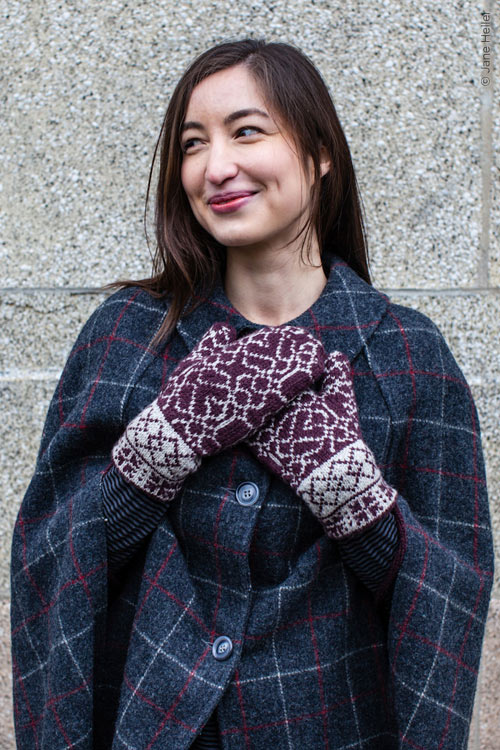 Twist Collective - Scribe Mittens in Deluxe Worsted