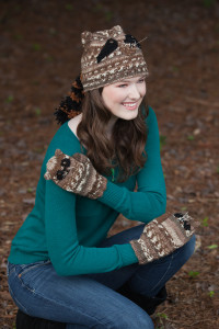 0151Raccoon Hat and Mittens Tapestry