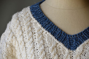 Varia Sweater shoulder_blog