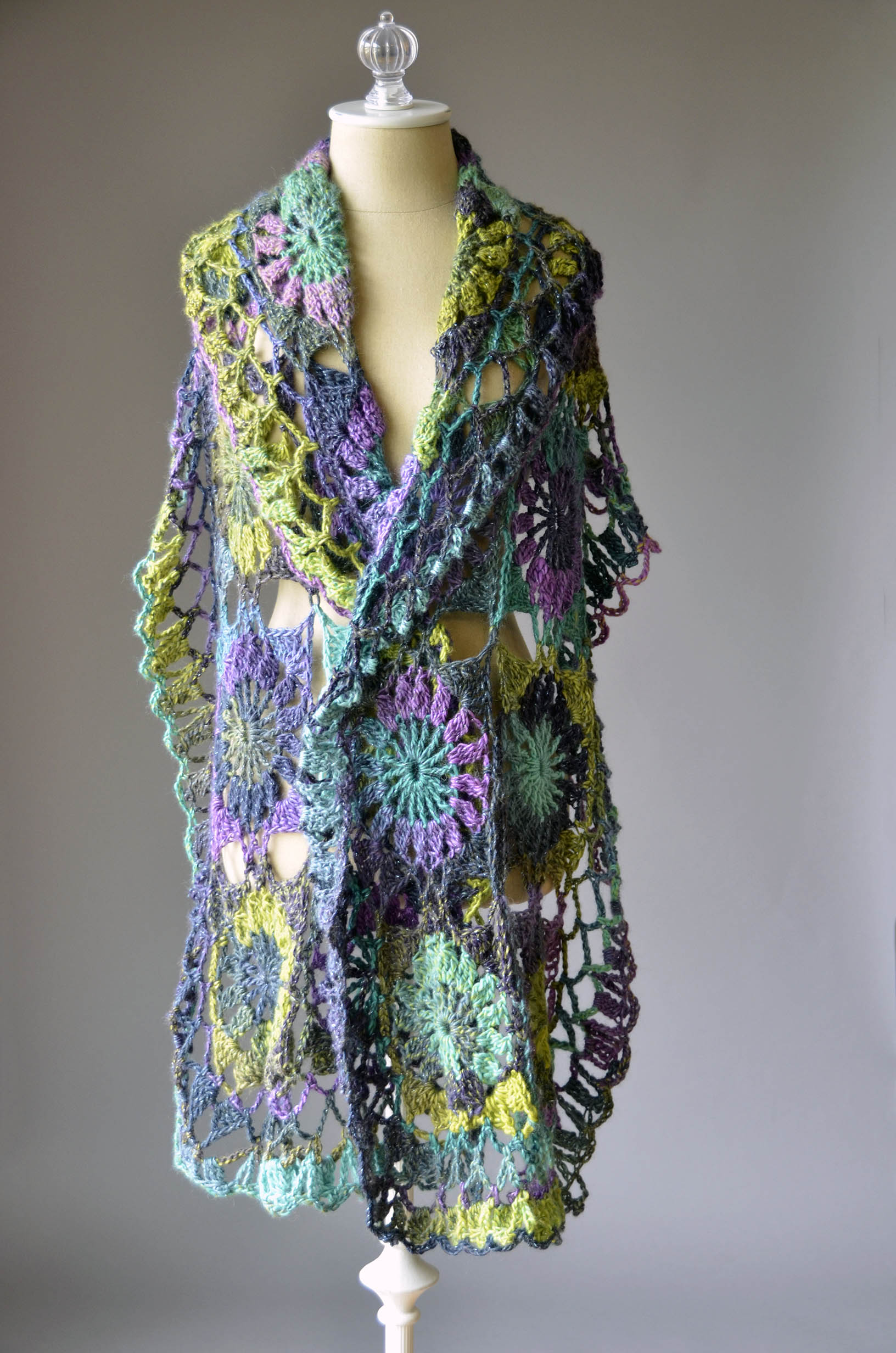 Crochet Lite : It?s Free Pattern Friday! Today, the Guadalupe Stole in Classic ...
