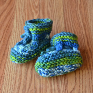 uw-tapestry-baby-booties-square