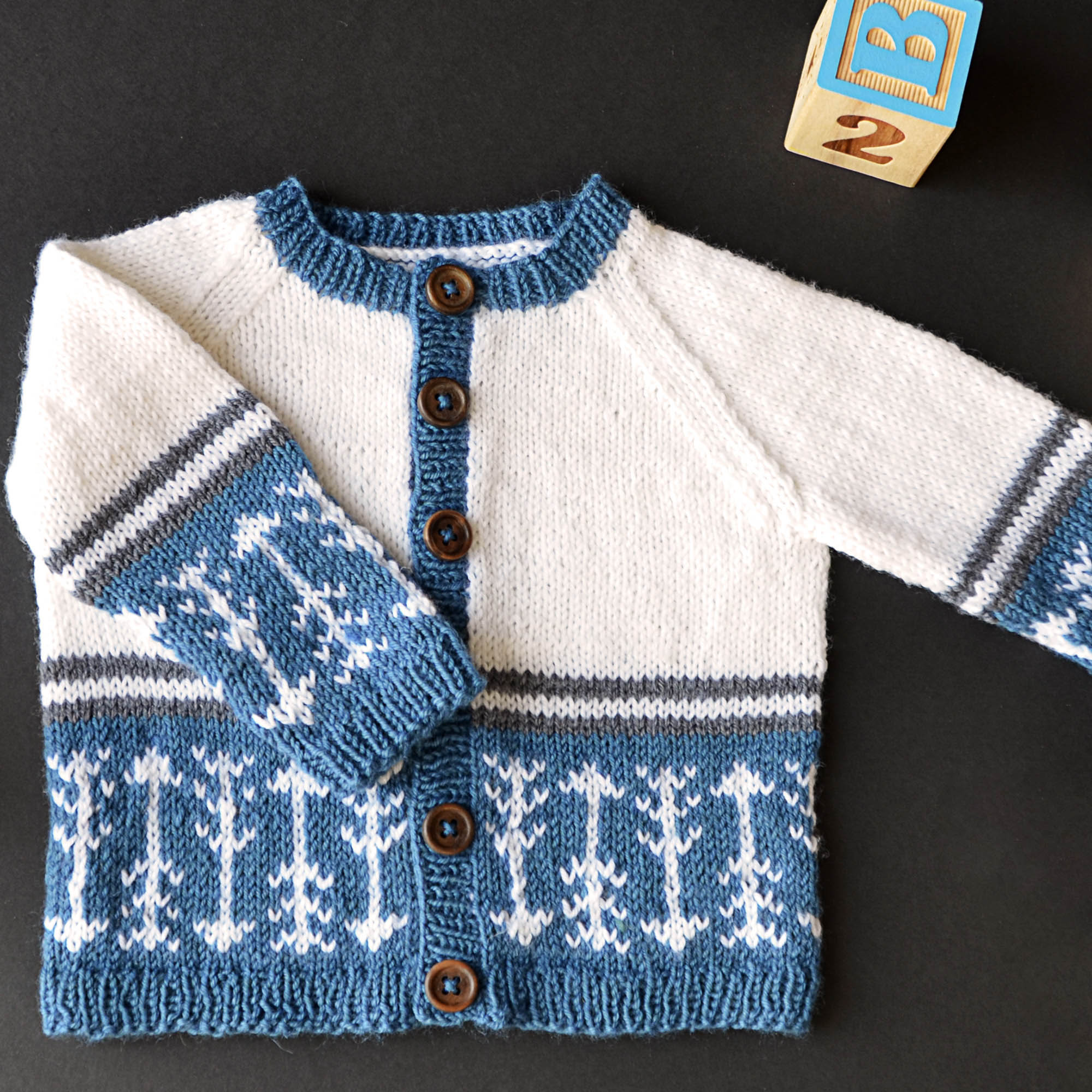 7ec80558b Free Pattern Friday – Which Way is Up – Universal Yarn Creative Network